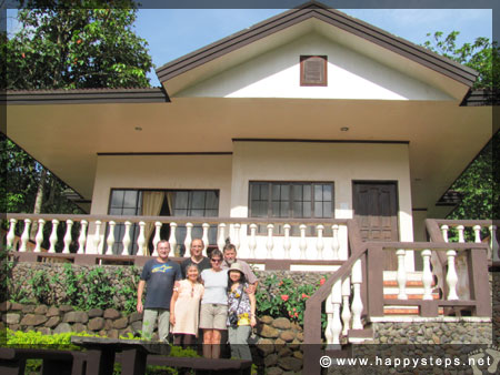 Mambukal Resort: Family Cottage - A pose with our Czech guests under the hot midday sun