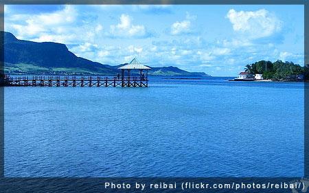 Blue Bay, Mauritius - Photo by by reibai (flickr.com/photos/reibai/)